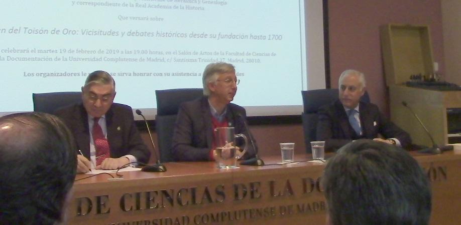 """""""La Orden del Toisón de Oro: Vicisitudes y debates históricos desde su fundación hasta 1700"""", por Amadeo-Martín Rey y Cabieses"""